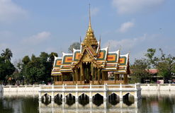 Knall-Schmerz, Thailand: Royal Palace-Pavillion Stockbilder
