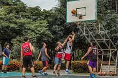 Knall Yai, Nonthaburi, Basketball-Spieler von philippinischem und von thailändischem lizenzfreies stockfoto