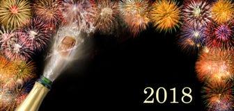 Knallend champagne en vuurwerk bij silvester 2018 Royalty-vrije Stock Afbeelding