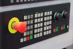 Knapp för nöd- stopp för CNC-maskin royaltyfria bilder
