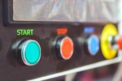Knappar för att koppla av och på den industriella elektriska utrustningen Royaltyfria Foton
