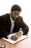 Knappe Afrikaans-Amerikaanse zakenman stock fotografie