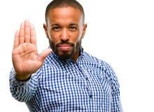 Knappe Afrikaanse Amerikaanse mens royalty-vrije stock foto's
