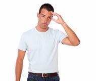 Knappe jonge mens met hoofdpijn Royalty-vrije Stock Afbeeldingen