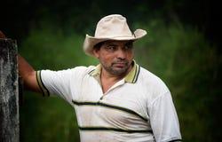 Knappe mannelijke boerderijhand Stock Foto's