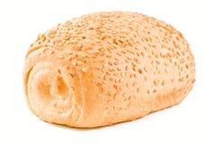 Knapperig broodje met sesamzaden Royalty-vrije Stock Afbeeldingen