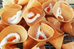 Knapperige Romig omfloerst - Straatvoedsel in Thailand royalty-vrije stock foto