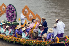KnatteChado stearinljus som svävar festivalen, Thailand Arkivbild
