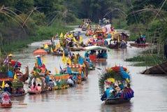 KnatteChado stearinljus som svävar festivalen, Thailand Arkivfoto