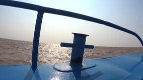 Knecht auf blauem Schnellboot fasten Bewegung stock video footage