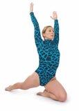 kneeling гимнаста Стоковые Фото