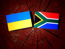 Kniaź flaga z południe - afrykanin flaga na drzewnym fiszorku odizolowywającym Obraz Royalty Free