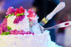 Knife cutting cake Royalty Free Stock Image