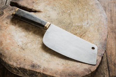 Knife on a wooden butcher Royalty Free Stock Photos
