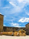 Knight la arena del ` s en Chateau de Sedan en verano Fotos de archivo