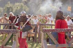 Knight Tournament no festival de Tustan em Urych, Ucrânia, agosto imagens de stock