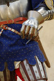 Knights la protezione 2 della mano dell'armatura Fotografie Stock