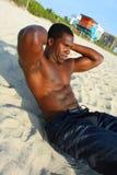 Knirschen auf dem Strand Stockfoto