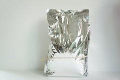 Knirschen Sie Reflexionskonzept der knusperigen Tasche der Chipkartoffel großes Stockfotos