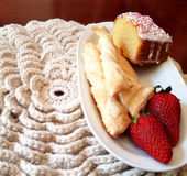 Knit couvrant blanc pour votre petit déjeuner Photographie stock libre de droits