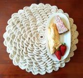 Knit couvrant blanc pour votre petit déjeuner Photos libres de droits