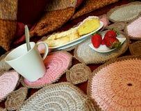 Knit couvrant multicolore pour votre petit déjeuner Photos libres de droits