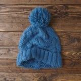 Knitted bobble il cappello immagini stock libere da diritti