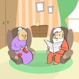 坐在扶手椅子,资深夫人Knitting,人读书的老夫妇 免版税图库摄影