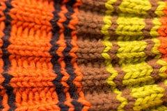 knitting Achtergrond gebreide textuur Heldere breinaalden royalty-vrije stock afbeeldingen