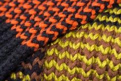 knitting Achtergrond gebreide textuur Heldere breinaalden stock afbeeldingen