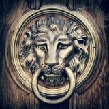 Knocker двери, ручка - голова льва Год сбора винограда стилизованный Стоковое Изображение RF