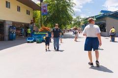 Knoebels é um parque de diversões da entrada gratuita para famílias fotografia de stock