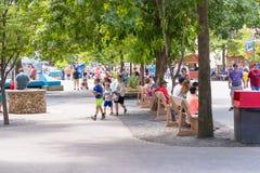 Knoebels é um parque de diversões da entrada gratuita para famílias imagem de stock royalty free