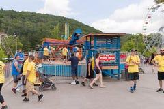 Knoebels ist ein FreiaufnahmeVergnügungspark für Familien stockbilder