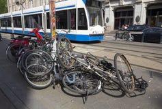 Knoei van cycli Amsterdam Stock Foto's