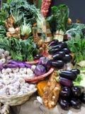 Knoflook en gemengde groenten Royalty-vrije Stock Foto's