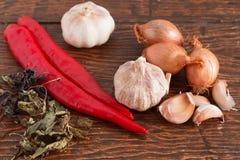 Knoflook, ui en Spaanse peper Stock Fotografie