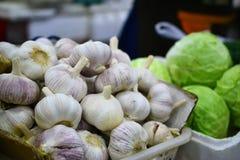 Knoflook, Verse groente op straatmarkt in China royalty-vrije stock afbeeldingen