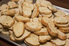Knoflookkaas geroosterd brood Stock Afbeeldingen