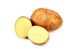 Knollen der rohen Kartoffel, getrennt auf einem weißen Hintergrund Lizenzfreies Stockbild