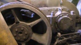 Knopen, delen en werkende mechanismen van het graafwerktuig stock footage