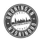 Knopf-Stadt-Skyline-Entwurfs-Stempel-Vektor-Reise-Tourismus Groningens die Niederlande Europa um stockfotos