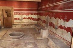Knossos biskopsstol Hall, Kreta, Grekland Arkivbilder