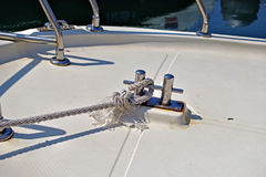 Knot on a bollard of a boat Royalty Free Stock Photography