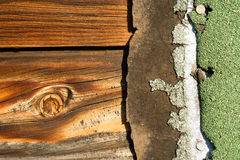 Knotty sörja brädet red ut Wood Asphalt Shingle Roofing Siding Royaltyfria Bilder