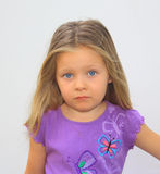 Knowing Eyes. A beautiful young gilr looks directly into the camera Royalty Free Stock Photography