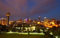 Knoxville på natten Arkivfoto