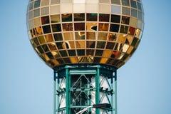Knoxville torn, Sunsphere på en solig dag royaltyfria foton
