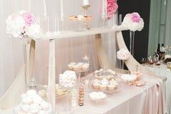 Knuffa omkring med en variation av läckra sötsaker, matidéer, beröm Royaltyfria Bilder