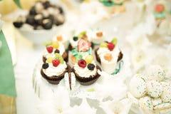 Knuffa omkring med en variation av läckra sötsaker, matidéer, beröm Royaltyfri Fotografi